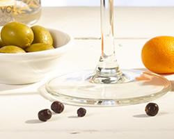 close-up-cocktail-cala-kumquat-gin-dry-martini
